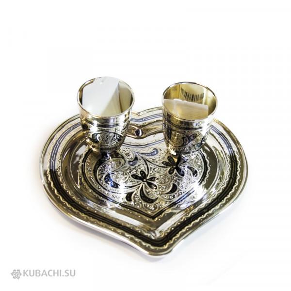 Серебряный набор свадебный Кубачи- Поднос в виде сердца со стопками